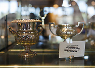 Royal South Yarra Lawn Tennis Club existiert seit 1884.<br /> Pokal Vitrine.