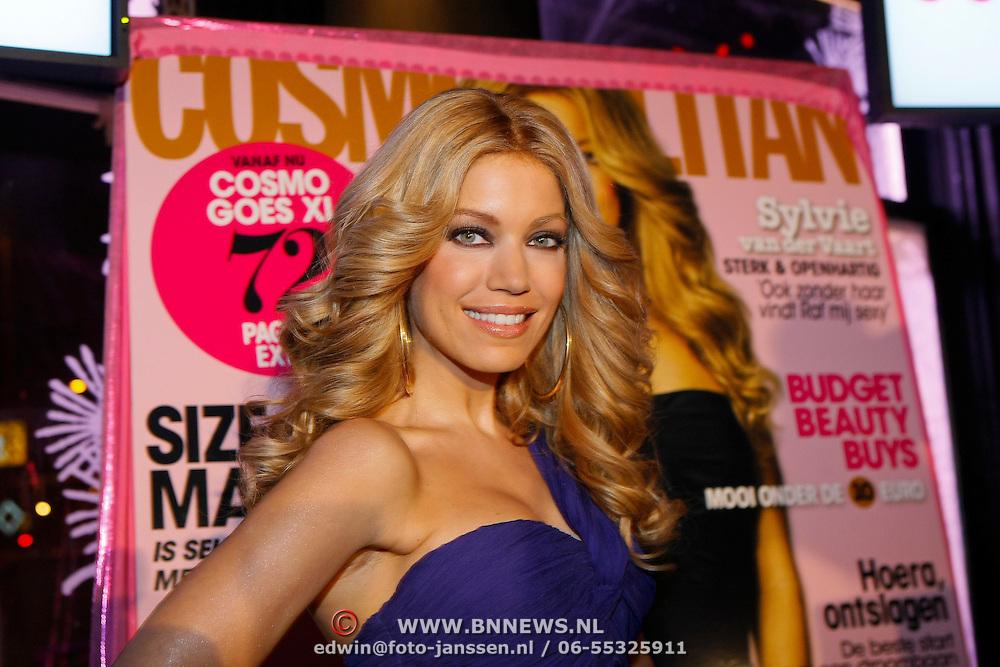 NLD/Amsterdam/201001212 - Lancering Cosmopolitan goes XXXL, Sylvie van der Vaart - Meis