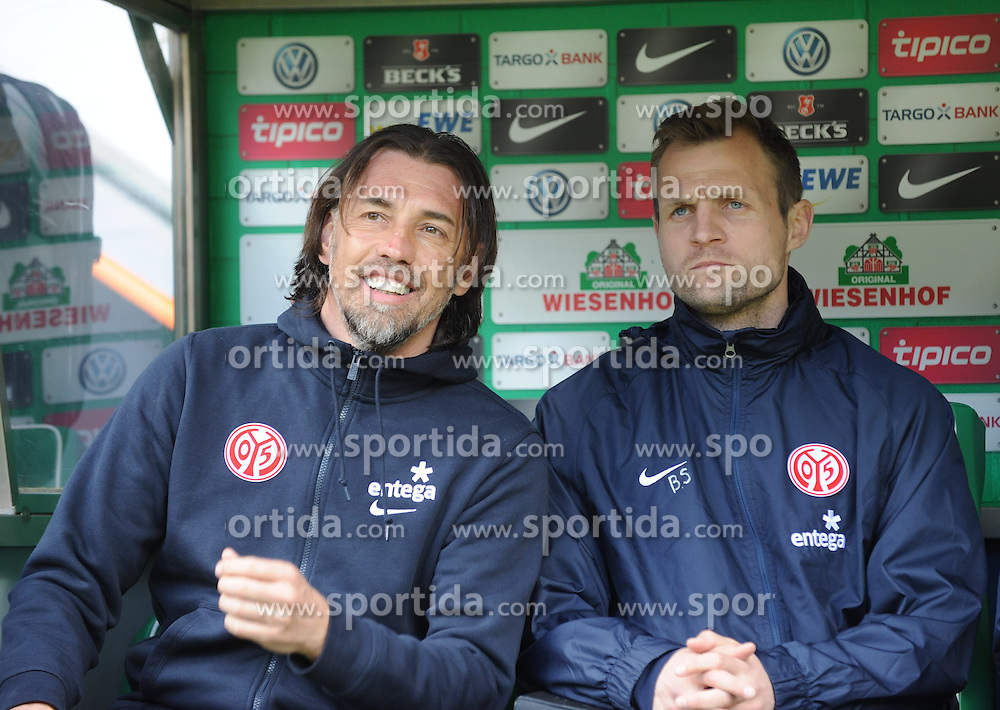 04.04.2015, Weserstadion, Bremen, GER, 1. FBL, SV Werder Bremen vs 1. FSV Mainz 05, 27. Runde, im Bild Martin Schmidt, Trainer 1. FSV Mainz 05, links und Bo Svensson, Co-Trainer 1. FSV Mainz 05, rechts, auf der Bank vor Spielbeginn. // during the German Bundesliga 27th round match between SV Werder Bremen and 1. FSV Mainz 05 at the Weserstadion in Bremen, Germany on 2015/04/04. EXPA Pictures &copy; 2015, PhotoCredit: EXPA/ Eibner-Pressefoto/ Schmidbauer<br /> <br /> *****ATTENTION - OUT of GER*****