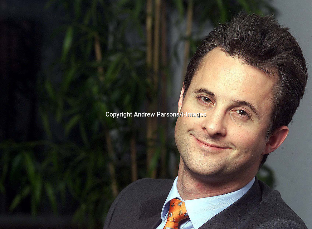Feature portraits of Jonathan Lander, Chief Executive of DDL, October 9, 2000..Photo by Andrew Parsons/i-Images.