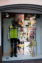 04.02.2011, Garmisch Partenkirchen, GER, FIS Alpine World Championships Garmisch Partenkirchen, Vorberichte, im Bild Preview images for the 2011 Alpine skiing World Championships. One of the many shop window displays to advertise the World Championships, EXPA Pictures © 2011, PhotoCredit: EXPA/ M. Gunn