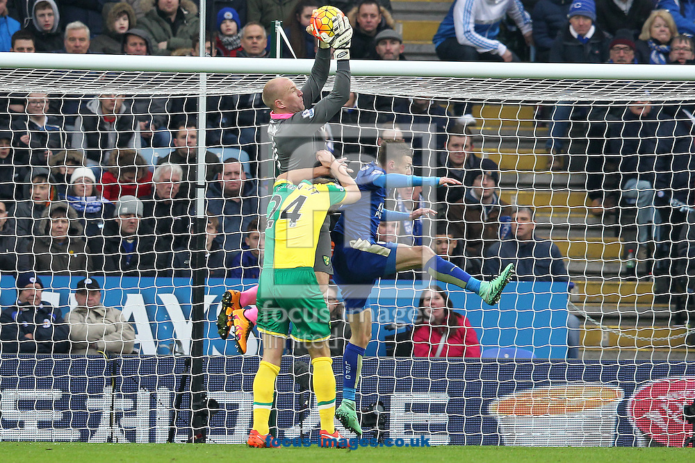 John Ruddy of Norwich collects the ball safely ahead of Jamie Vardy of Leicester City during the Barclays Premier League match at the King Power Stadium, Leicester<br /> Picture by Paul Chesterton/Focus Images Ltd +44 7904 640267<br /> 27/02/2016
