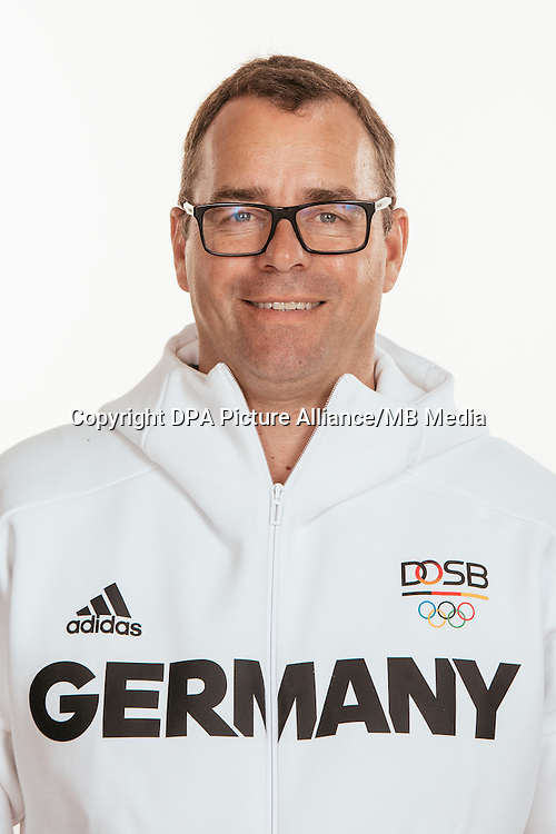 Carsten Rohde poses at a photocall during the preparations for the Olympic Games in Rio at the Emmich Cambrai Barracks in Hanover, Germany, taken on 18/07/16 | usage worldwide