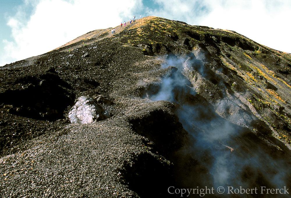 MEXICO, MICHOACAN STATE, LANDSCAPE Paricutin Volcano northwest of Uruapan formed in 1943 eruption; still active; smoking caldera of volcano