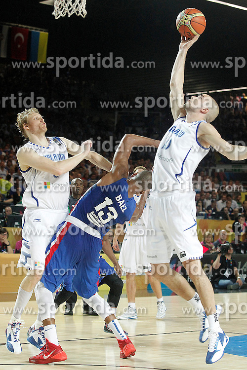 02.09.2014, City Arena, Bilbao, ESP, FIBA WM, Finnland vs Dominikanische Republik, im Bild Findlan's Kimmo Muurinen (l) and Tuukka Kotti (r) and Dominican Republic's Eulis Baez // during FIBA Basketball World Cup Spain 2014 match between Finland and Dominican Republic at the City Arena in Bilbao, Spain on 2014/09/02. EXPA Pictures &copy; 2014, PhotoCredit: EXPA/ Alterphotos/ Acero<br /> <br /> *****ATTENTION - OUT of ESP, SUI*****