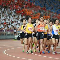 B Div Girls 800m