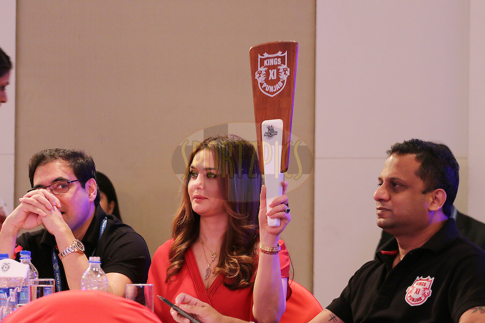 Preity Zinta bids on Yuvraj Singh during the IPL Auction prior to season 8 of the Indian Premier League held at the ITC Gardenia Hotel in Bengaluru, Karnataka, India on the 16th February 2015<br /> <br /> Photo by Ron Gaunt / SPORTZPICS / IPL