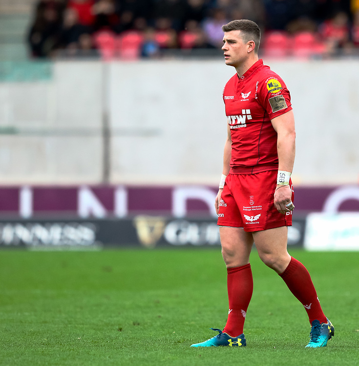 Scarlets' Scott Williams<br /> <br /> Photographer Simon King/Replay Images<br /> <br /> Guinness PRO14 Round 19 - Scarlets v Glasgow Warriors - Saturday 7th April 2018 - Parc Y Scarlets - Llanelli<br /> <br /> World Copyright © Replay Images . All rights reserved. info@replayimages.co.uk - http://replayimages.co.uk