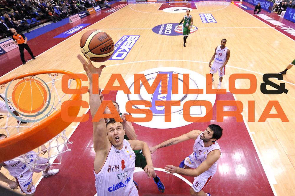 DESCRIZIONE : Milano Coppa Italia Final Eight 2013 Finale Cimberio Varese Montepaschi Siena<br /> GIOCATORE : Janar Talts<br /> CATEGORIA : special rimbalzo<br /> SQUADRA : Montepaschi Siena Cimberio Varese<br /> EVENTO : Beko Coppa Italia Final Eight 2013<br /> GARA : Cimberio Varese Montepaschi Siena<br /> DATA : 10/02/2013<br /> SPORT : Pallacanestro<br /> AUTORE : Agenzia Ciamillo-Castoria/C.De Massis<br /> Galleria : Lega Basket Final Eight Coppa Italia 2013<br /> Fotonotizia : Milano Coppa Italia Final Eight 2013 Finale Cimberio Varese Montepaschi Siena<br /> Predefinita :
