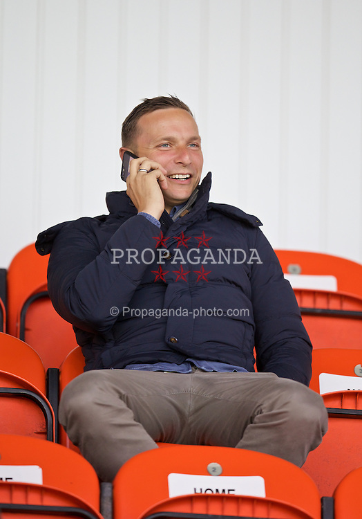 SOUTHPORT, ENGLAND - Wednesday, August 19, 2015: Liverpool's first-team development coach Pepijn Lijnders during the Under 21 FA Premier League match against Everton at Haig Avenue. (Pic by David Rawcliffe/Propaganda)