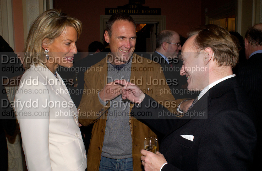Leonie Freida, A.A.Gill and Andrew RobertsCatherine de Medici by Leonie Frieda book party, English Speaking Union. 3 February 2004. © Copyright Photograph by Dafydd Jones 66 Stockwell Park Rd. London SW9 0DA Tel 020 7733 0108 www.dafjones.com
