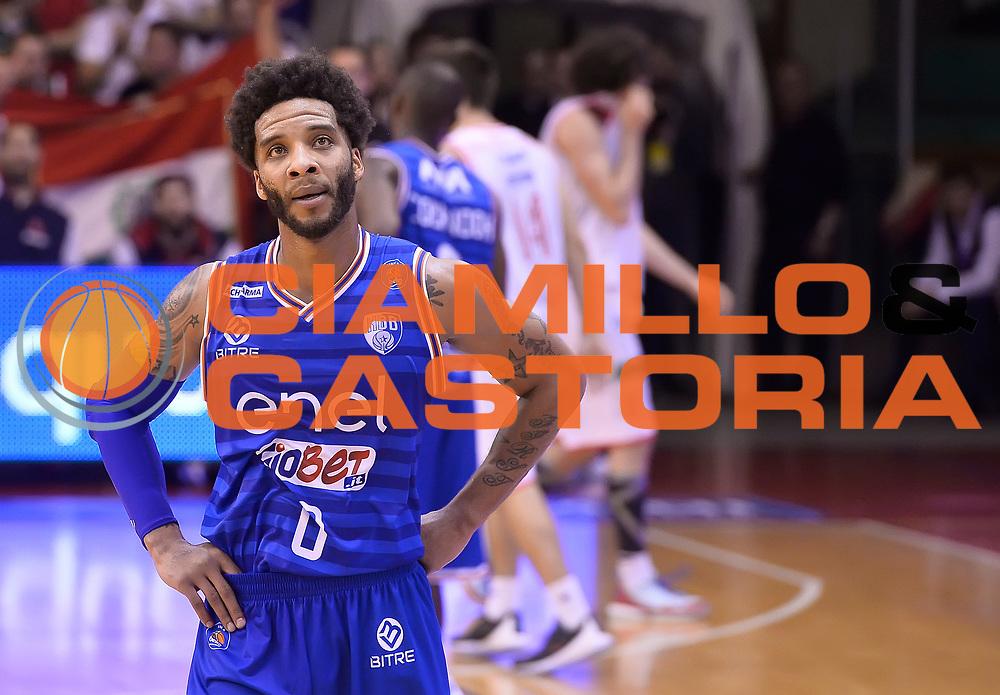 DESCRIZIONE : Beko Legabasket Serie A 2015- 2016 Grissin Bon Reggio Emilia - Enel Brindisi<br /> GIOCATORE : Adrian Banks<br /> CATEGORIA : delusione<br /> SQUADRA : Enel Brindisi<br /> EVENTO : Beko Legabasket Serie A 2015-2016<br /> GARA : Grissin Bon Reggio Emilia - Enel Brindisi<br /> DATA : 03/04/2016<br /> SPORT : Pallacanestro <br /> AUTORE : Agenzia Ciamillo-Castoria/R.Morgano