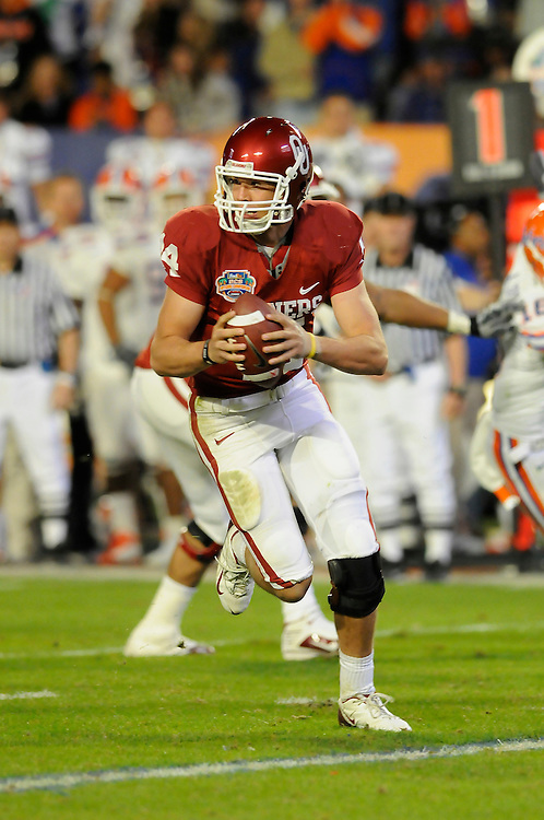 January 8, 2009: Sam Bradford of the Oklahoma Sooners in action during the NCAA football game between the Florida Gators and the Oklahoma Sooners in the 2009 BCS National Championship Game. The Gators defeated the Sooners 24-14.