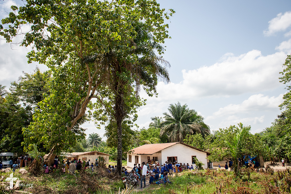 Patients pack the clinic grounds on the second day of the LCMS Mercy Medical Team on Tuesday, May 8, 2018, in the Yardu village outside Koidu, Sierra Leone, West Africa. LCMS Communications/Erik M. Lunsford