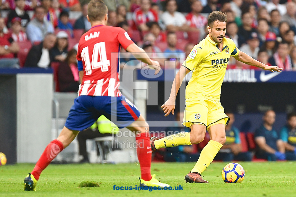 Roberto Soriano of Villareal (right) during the La Liga match at the Wanda Metropolitano Stadium, Madrid<br /> Picture by Kristian Kane/Focus Images Ltd +44 7814 482222<br /> 28/10/2017