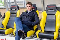 KERKRADE - 20-11-2016, Roda JC - AZ, Park Stad Limburg Stadion, 1-1, Assistent trainer Dennis Haar zit als de vervanger van AZ trainer John van den Brom op de bank, schorsing.