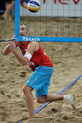 13-01-2012 VOLLEYBAL: CEV SATELLITE TOURNAMENT: AALSMEER<br /> CEV Satellite, het indoor beachvolleybaltoernooi in Aalsmeer / Richard Schuil (foto) en Reinder Nummerdor winnen moeizaam maar staan wel in de tweede ronde van het CEV Satellite toernooi.<br /> ©2012-FotoHoogendoorn.nl