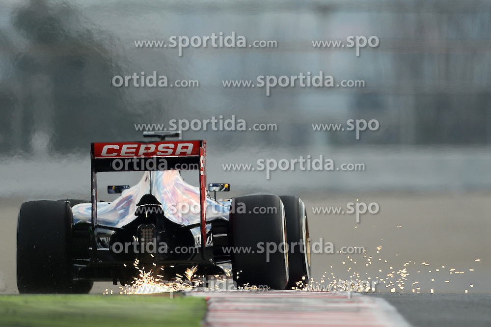 27.02.2015, Circuit de Catalunya, Barcelona, ESP, FIA, Formel 1, Testfahrten, Barcelona, Tag 2, im Bild Max Verstappen (NDL) Scuderia Toro Rosso STR10 throws up the sparks // during the Formula One Testdrives, day two at the Circuit de Catalunya in Barcelona, Spain on 2015/02/27. EXPA Pictures &copy; 2015, PhotoCredit: EXPA/ Sutton Images/ Patrik Lundin Images<br /> <br /> *****ATTENTION - for AUT, SLO, CRO, SRB, BIH, MAZ only*****