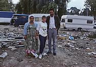 France. Marseille. the renaude , north area suburbs. A family of north Africa who live in the slum  Marseille  France    /cite la Renaude  dans les quartiers nord. Une famille arabe vivant dans le bidonville  Marseille  France  /R00015/21    L2823  /  P0004025