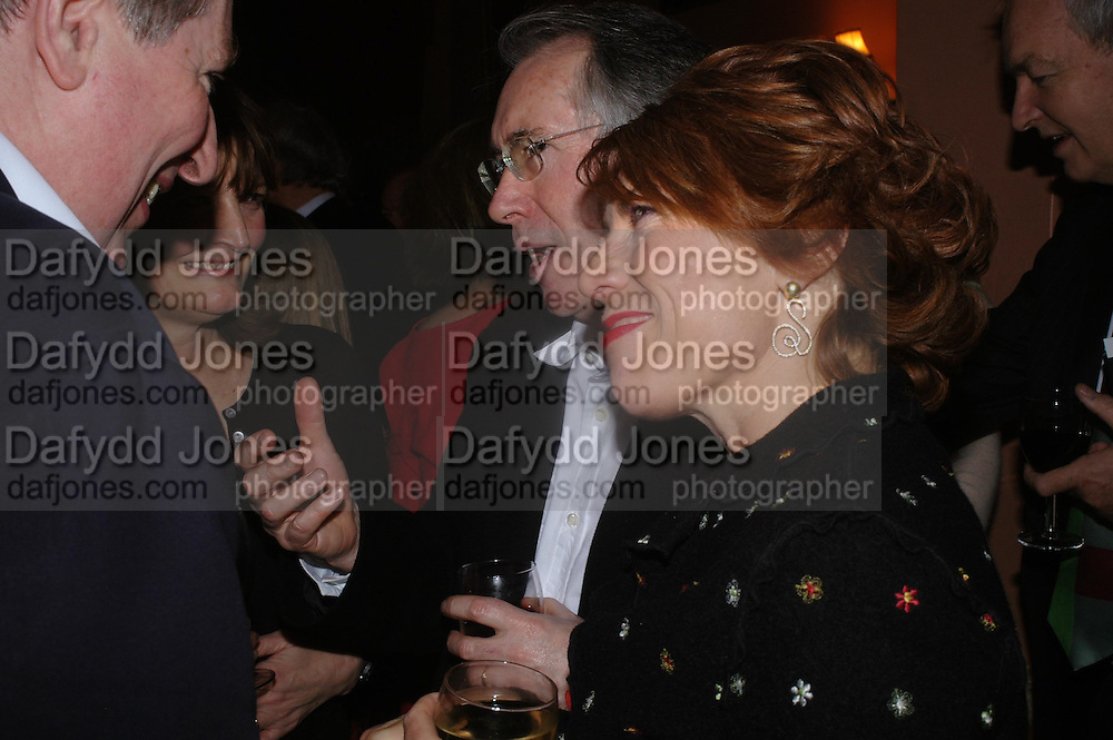 Ian McEwan and Kathy Lette. Book party for Saturday by Ian McEwan, Polish Club, South Kensington.  4 February 2005. ONE TIME USE ONLY - DO NOT ARCHIVE  © Copyright Photograph by Dafydd Jones 66 Stockwell Park Rd. London SW9 0DA Tel 020 7733 0108 www.dafjones.com