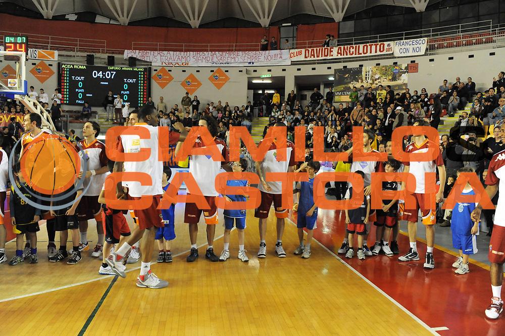 DESCRIZIONE : Roma Lega Basket A 2011-12  Acea Virtus Roma EA7 Emporio Armani Milano<br /> GIOCATORE : minibasket<br /> CATEGORIA : pre game<br /> SQUADRA :  Acea Virtus Roma<br /> EVENTO : Campionato Lega A 2011-2012 <br /> GARA : Acea Virtus Roma EA7 Emporio Armani Milano<br /> DATA : 25/04/2012<br /> SPORT : Pallacanestro  <br /> AUTORE : Agenzia Ciamillo-Castoria/ GiulioCiamillo<br /> Galleria : Lega Basket A 2011-2012  <br /> Fotonotizia : Roma Lega Basket A 2011-12 Acea Virtus Roma EA7 Emporio Armani Milano <br /> Predefinita :
