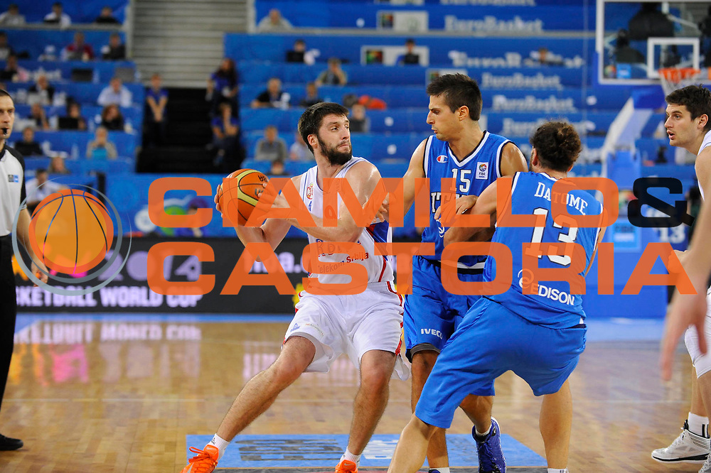 DESCRIZIONE : Lubiana Ljubliana Slovenia Eurobasket Men 2013 Finale Settimo Ottavo Posto Serbia Italia Final for 7th to 8th place Serbia Italy<br /> GIOCATORE : Stefan Markovic <br /> CATEGORIA : palleggio dribble<br /> SQUADRA : Serbia Serbia<br /> EVENTO : Eurobasket Men 2013<br /> GARA : Serbia Italia Serbia Italy<br /> DATA : 21/09/2013 <br /> SPORT : Pallacanestro <br /> AUTORE : Agenzia Ciamillo-Castoria/H.Bellenger<br /> Galleria : Eurobasket Men 2013<br /> Fotonotizia : Lubiana Ljubliana Slovenia Eurobasket Men 2013 Finale Settimo Ottavo Posto Serbia Italia Final for 7th to 8th place Serbia Italy<br /> Predefinita :