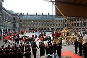 Prinsjesdag 2013 Aankomst van de Gouden Koets bij het Binnenhof<br /> <br /> Budget Day 2013 Arrival of the Golden Carriage at the Binnenhof