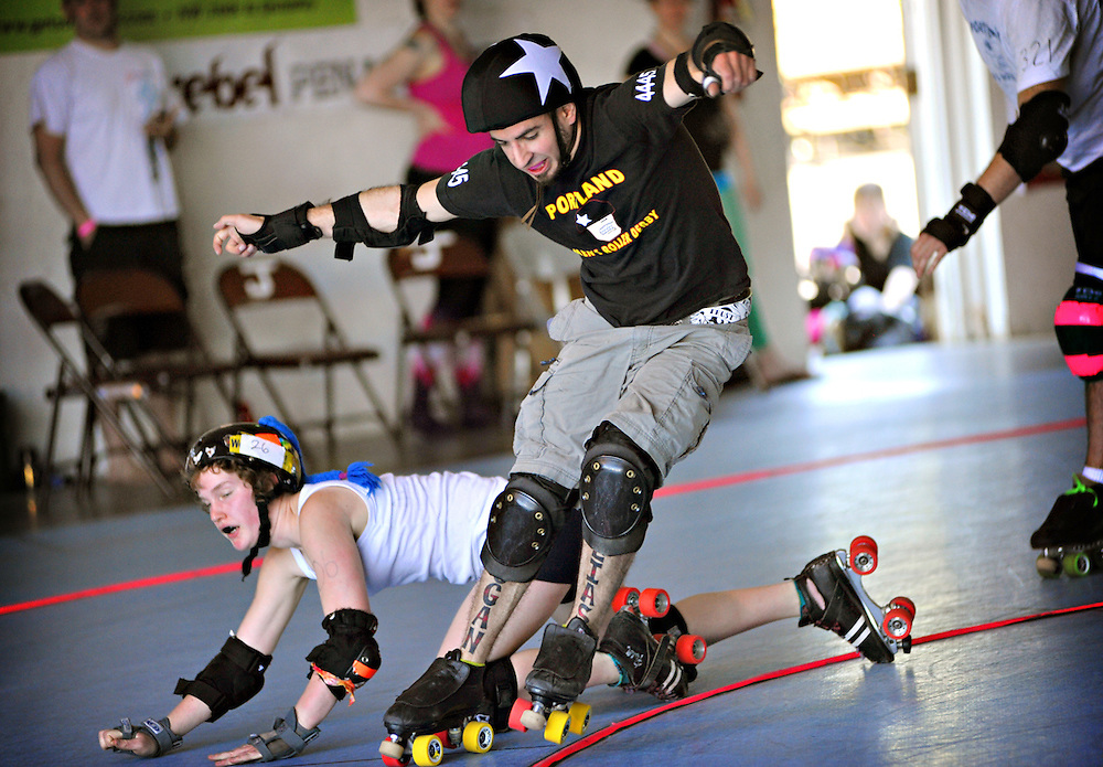 Open scrimmage by Rose City Rollers at the Oaks Park Hangar on June 4, 2011.  (photo by Casey Campbell)