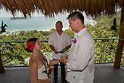 Wedding in Manuel Antonio, private villa and beach photography.