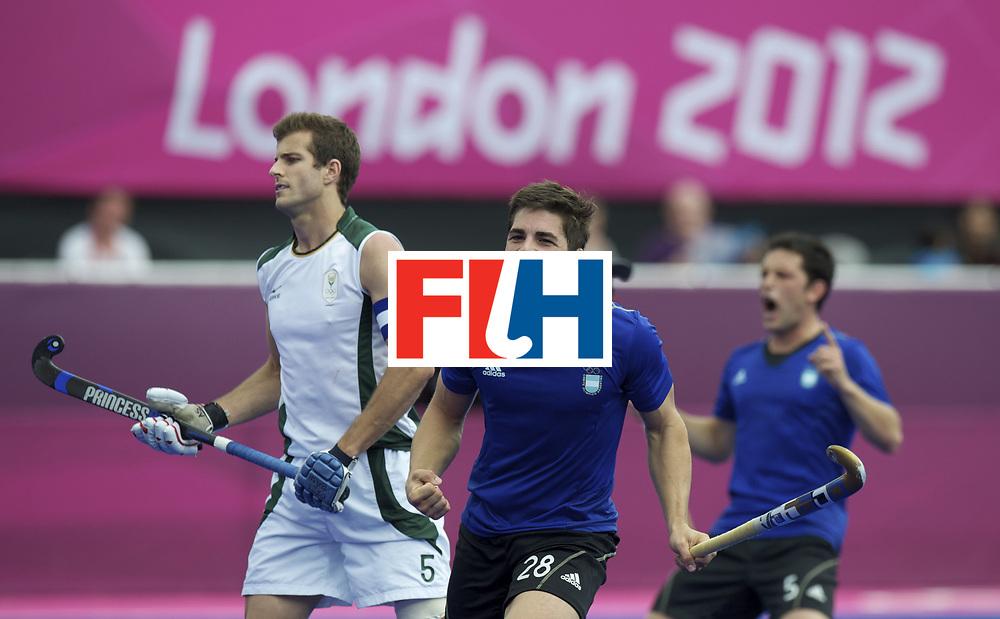 LONDON - Olympische Spelen 2012.men match.Argentina  v South Africa.foto:  Argentina  Gonzalo Peillat  scores.FFU PRESS AGENCY COPYRIGHT FRANK UIJLENBROEK.