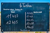 France, Manche (50), Cotentin, Saint-Vaast-la-Hougue, l'île de Tatihou, horaire de la navette  // France, Normandy, Manche department, Cotentin, Saint-Vaast-la-Hougue, l'île de Tatihou