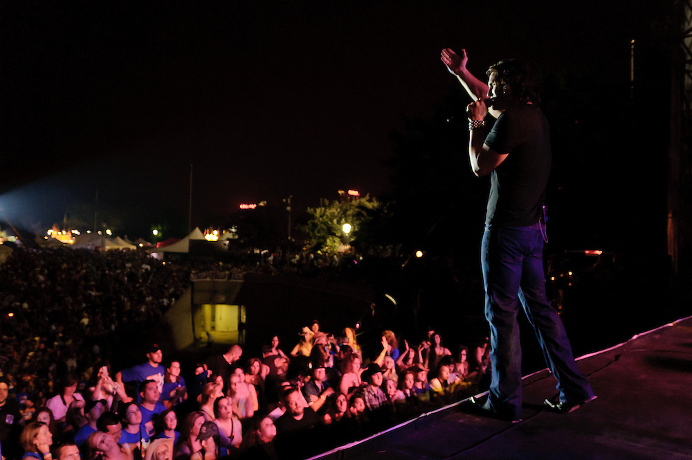 Joe Nichols and a few of his close friends.