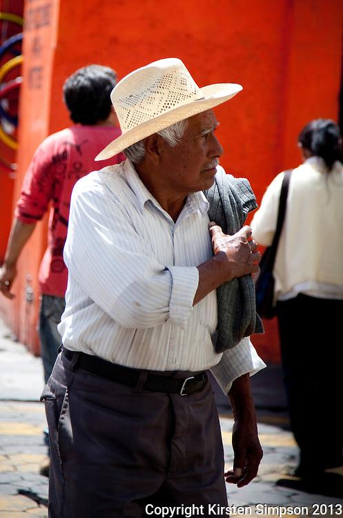 Crossing the Street in Puebla