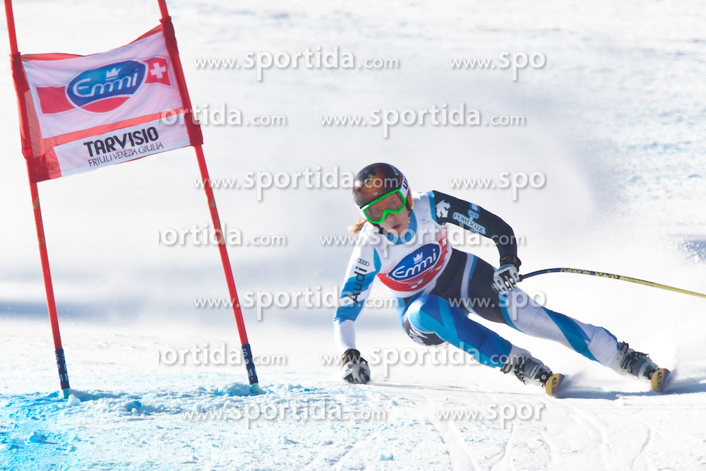 05.03.2011, Pista di Prampero, Tarvis, ITA, FIS Weltcup Ski Alpin, Abfahrt der Damen, im Bild Carolina Ruiz Castillo (SPA) // Carolina Ruiz Castillo (SPA) during Ladie's Downhill FIS World Cup Alpin Ski in Tarvisio Italy on 5/3/2011. EXPA Pictures © 2011, PhotoCredit: EXPA/ J. Groder