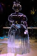 Het IJsbeelden Festival presenteert '200 jaar Koninkrijk der Nederlanden', een vorstelijke geschiedenis in ijs en sneeuw.<br /> <br /> Op de foto: IJssculptuur van Anna Paulowna van Rusland