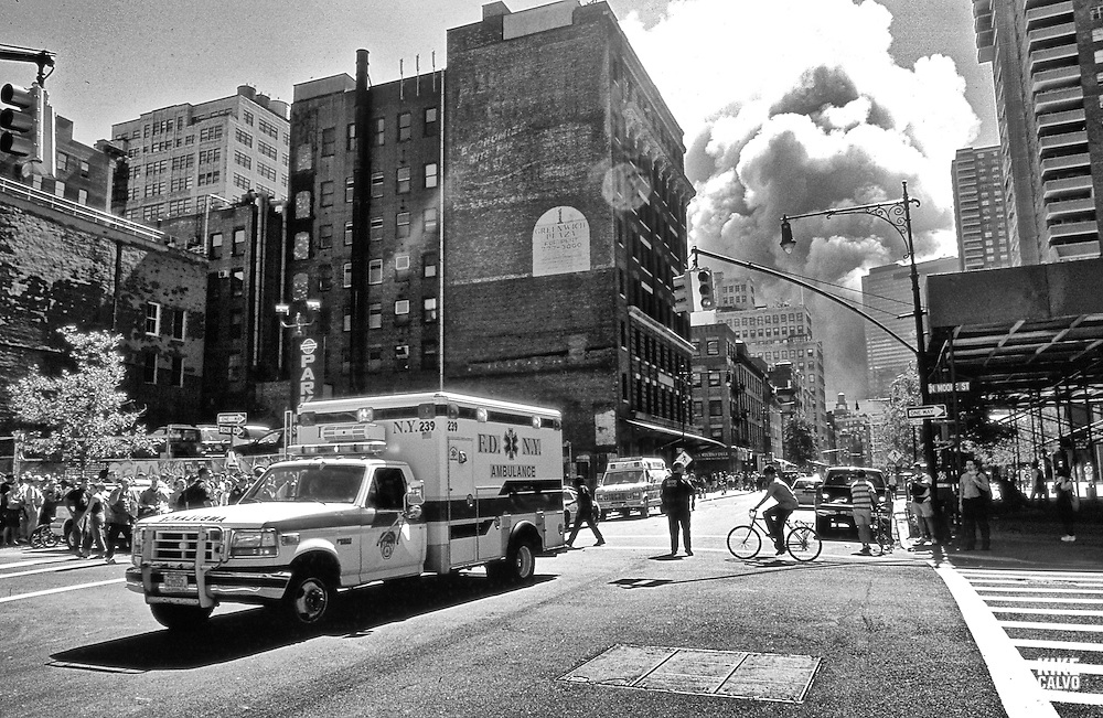 Smoke and dust spreading all over Manhattan during the collapse of the Twin Towers.