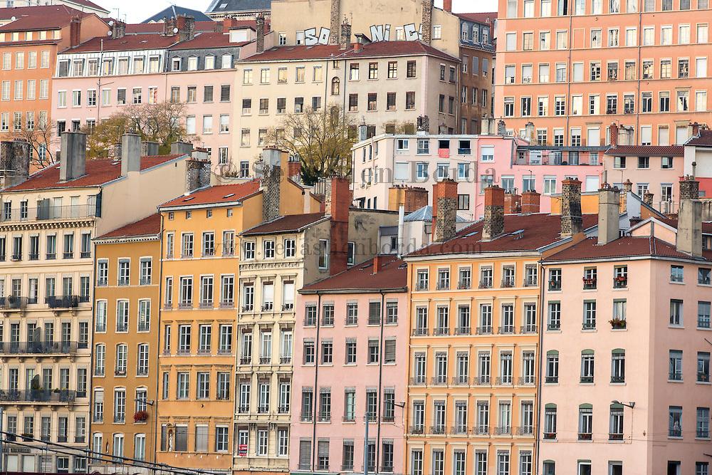 Facades d'immeubles de la Croix-Rousse // Buildings facades of Croix-Rousse