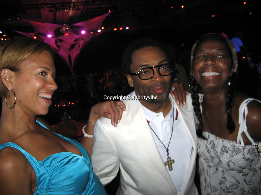 **EXCLUSIVE**.Spike Lee with wife & Natalie Cole.Silly 70's Party with performances by Aerosmith, Earth Wind, Fire & Village People & Stevie Wonder.Opening of Cain at The Cove Hotel.Grand Ballroom.Atlantis Hotel.Paradise Island, Bahamas.Saturday, May 12, 2007 .Photo By Celebrityvibe.To license this image please call (212) 410 5354; or.Email: celebrityvibe@gmail.com ;.