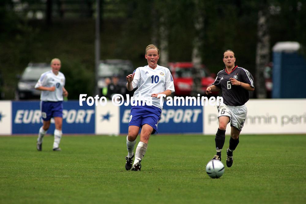 28.07.2004, Hyvink??, Finland..UEFA Women's Under-19 European Championship.Group A, Finland v Germany.Annica Maria Sj?lund (Finland) v Karolin Thomas (Germany).©Juha Tamminen.....ARK:k