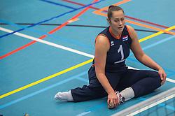 14-02-2016 NED: Nederland - Oekraine, Houten<br /> De Nederlandse paravolleybalsters speelde een vriendschappelijke wedstrijd tegen Europees kampioen Oekraïne. De equipe van bondscoach Pim Scherpenzeel bereidt zich tegen Oekraïne voor op het Paralympisch kwalificatietoernooi in China, dat in maart wordt gespeeld /  Elvira Stinissen #1 of Nederland