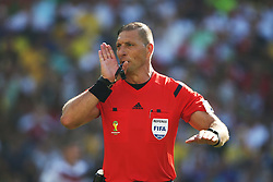 04.07.2014, Maracana, Rio de Janeiro, BRA, FIFA WM, Frankreich vs Deutschland, Viertelfinale, im Bild NESTOR PITANA referee of the match // during quarterfinals between France and Germany of the FIFA Worldcup Brazil 2014 at the Maracana in Rio de Janeiro, Brazil on 2014/07/04. EXPA Pictures © 2014, PhotoCredit: EXPA/ Eibner-Pressefoto/ Cezaro<br /> <br /> *****ATTENTION - OUT of GER*****