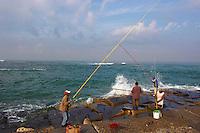 Egypte, la côte méditerranéenne, Alexandrie, le front de mer au fort Qaytbay (Qaït Bey)  // Egypt, Alexandria, sea side near Qaytbay fort.
