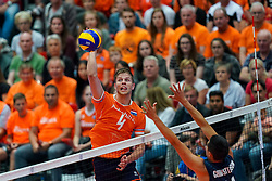 11-08-2019 NED: FIVB Tokyo Volleyball Qualification 2019 / Netherlands - USA, Rotterdam<br /> Final match pool B in hall Ahoy between Netherlands vs. United States (1-3) and Olympic ticket  for USA / Thijs Ter Horst #4 of Netherlands