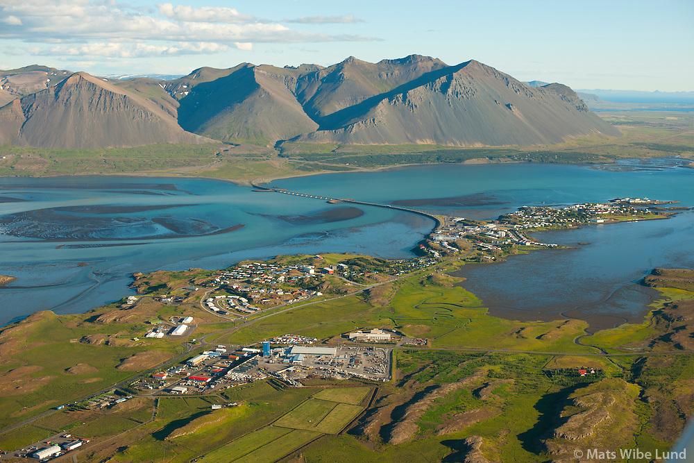 Borgarnes séð til suðsuðausturs, Hafnarfjall,  Borgarbyggð /  Borgarnes viewing southsoutheast. Mount Hafnarfjall, Borgarbyggd.