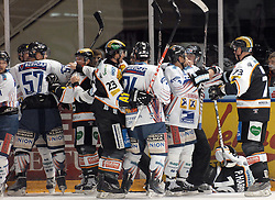 05.12.2010, Eisstadion Liebenau, Graz, AUT, EBEL, Graz 99ers vs Fehervar, im Bild Feature, Rauferei, EXPA Pictures © 2010, PhotoCredit: EXPA/ J. Hinterleitner