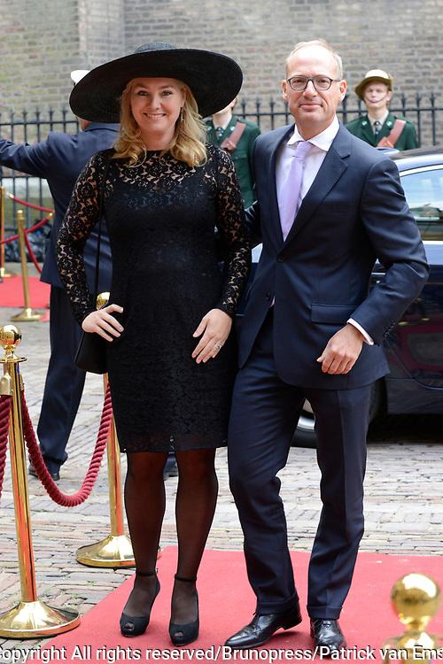Prinsjesdag 2013 - Aankomst Parlementariërs bij de Ridderzaal op het Binnenhof.<br /> <br /> Op de foto:  Melanie Schultz van Haegen - Minister van Infrastructuur en Milieu en partner