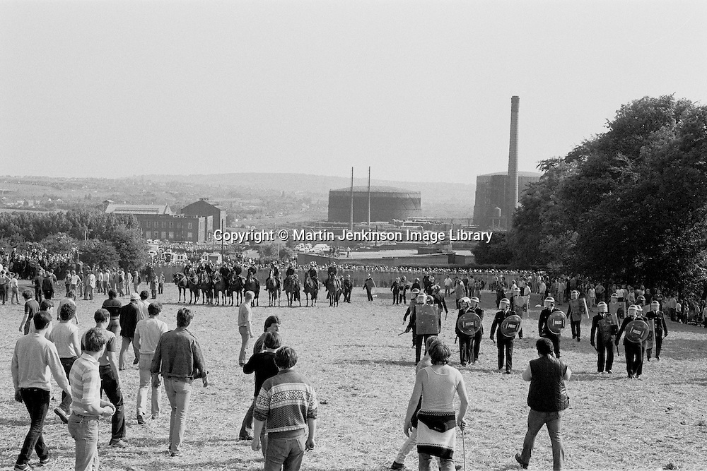 Police and pickets at Orgreave 1984-85 miners strike. 18 June 1984...&copy; Martin Jenkinson <br />