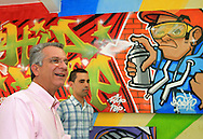 Andrea e artistas de rua: parceria para uma São Paulo mais bela.
