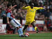 Photo: Rich Eaton.<br /> <br /> Aston Villa v Liverpool. The Barclays Premiership. 18/03/2007. Gareth Barry left of Villa clears under pressure from Momo Sissoko