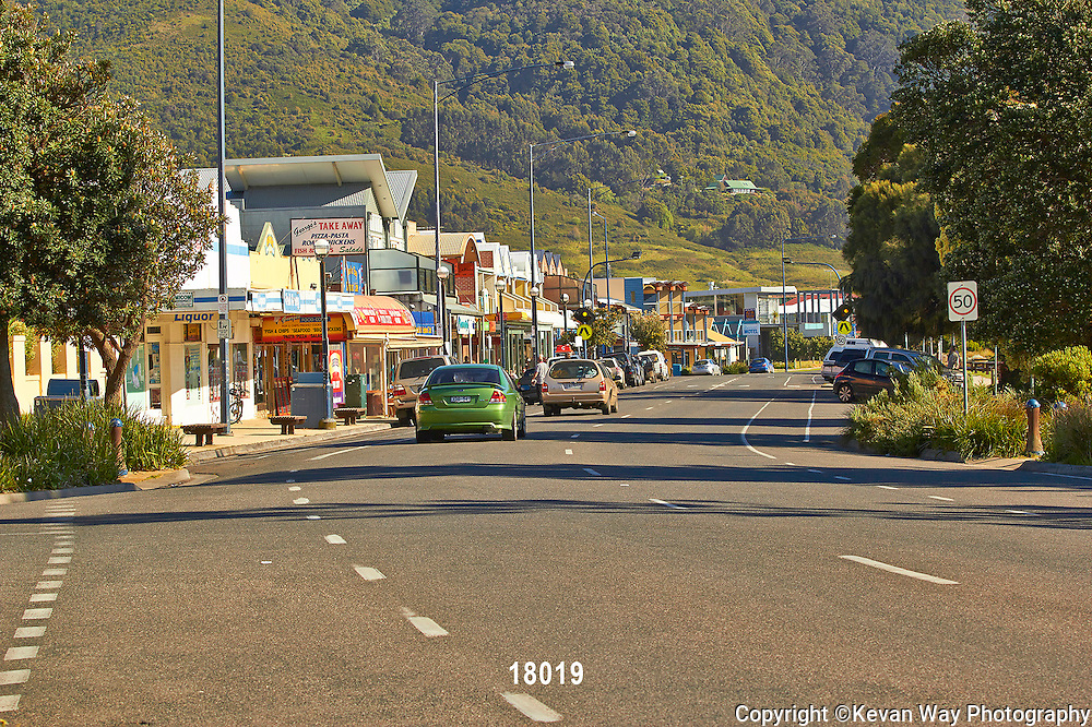 main street Apollo Bay